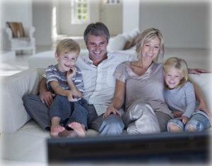 проводите время с семьей